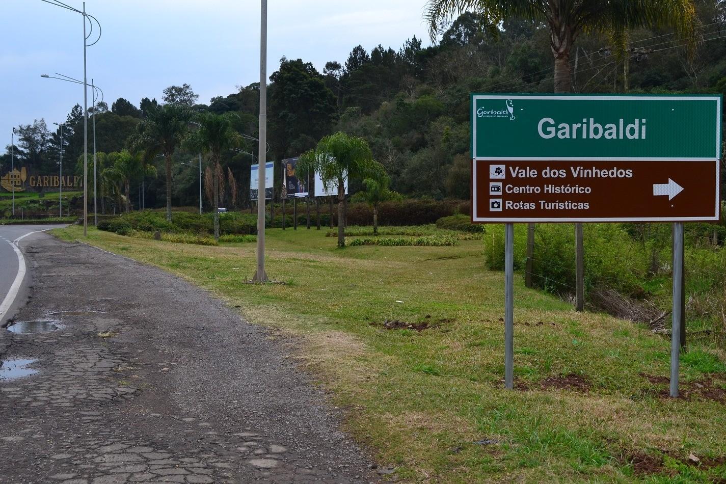 Foto Novas placas com indicações turísticas são instaladas em Garibaldi