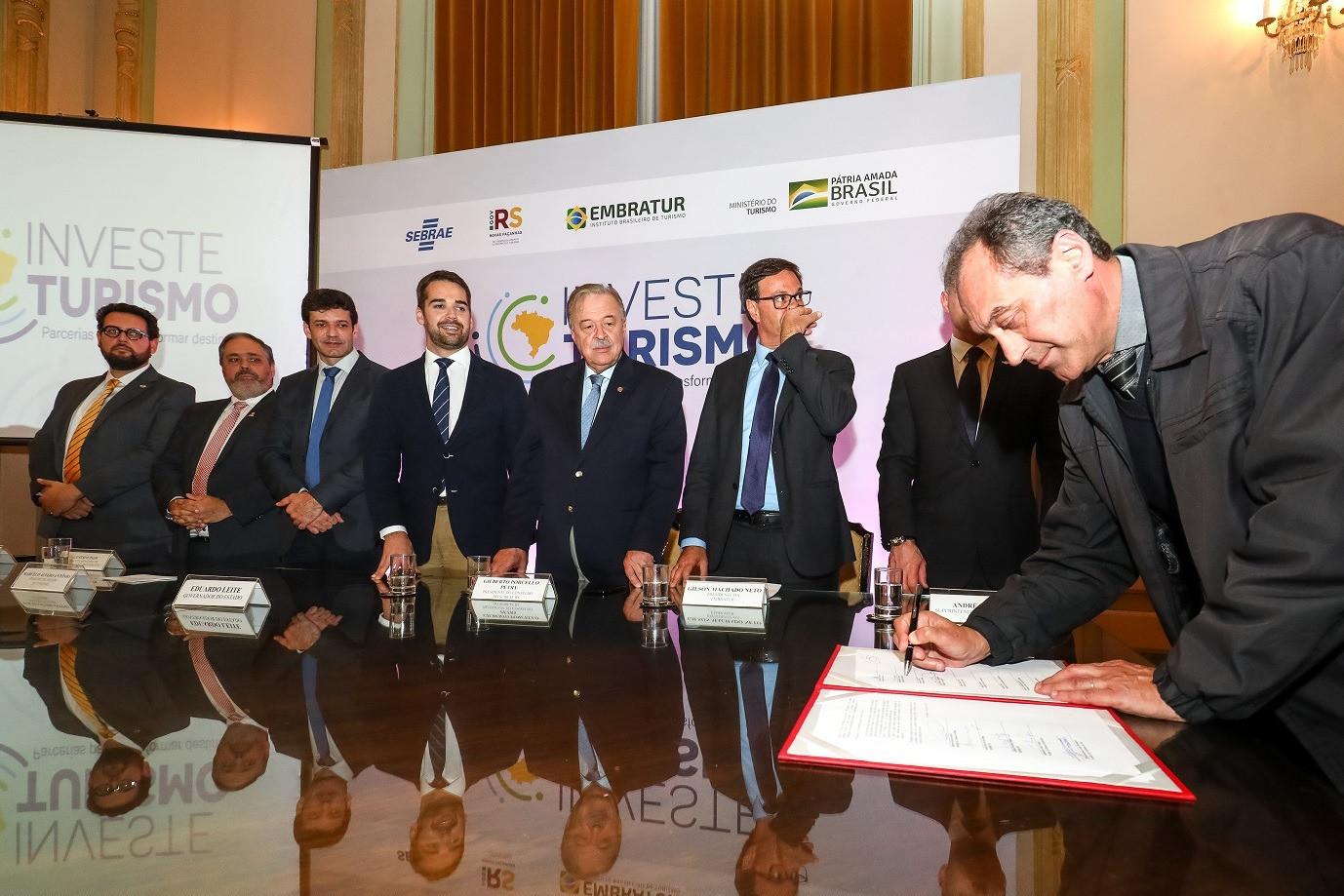 Foto Garibaldi participa do lançamento do programa Investe Turismo