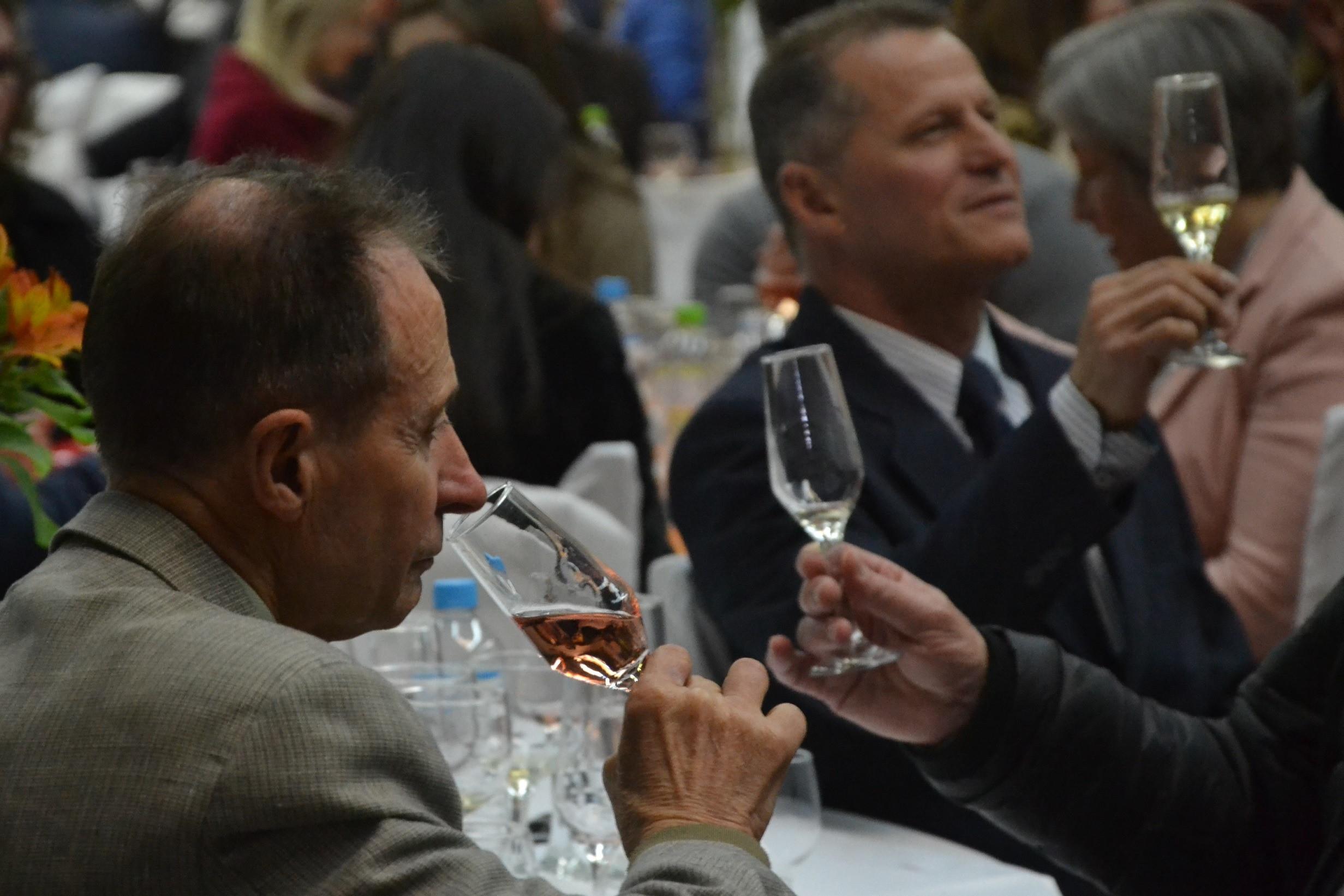 Foto 17ª Jantar Seleção dos Melhores Vinhos, Espumantes e Sucos de Garibaldi consagra qualidade garibaldense