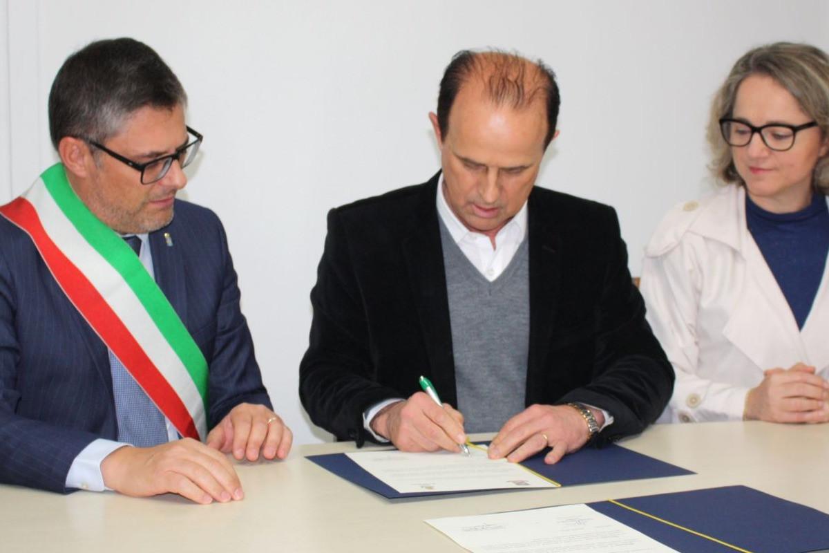 Foto Garibaldi recebe comitiva de Conegliano e renova gemellaggio