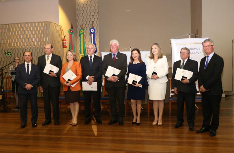 Foto de capa Prefeitura homenageia personalidades, empresários e produtores rurais