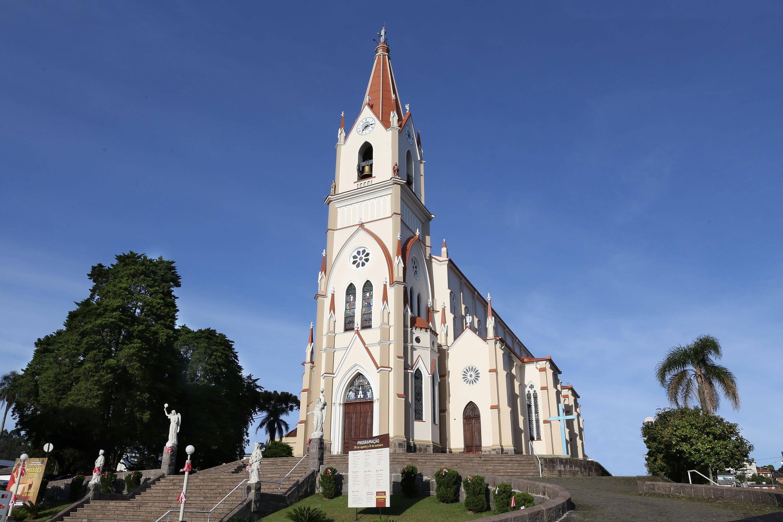 Foto Paróquia São Pedro de Garibaldi conclui obra de restauro da Igreja Matriz
