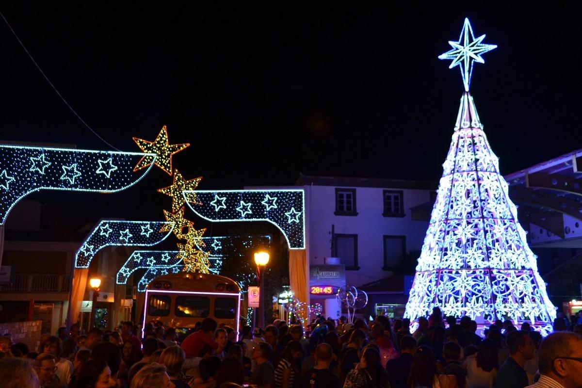 Foto Trânsito na rua Buarque de Macedo será interrompido à noite, no Natal Borbulhante