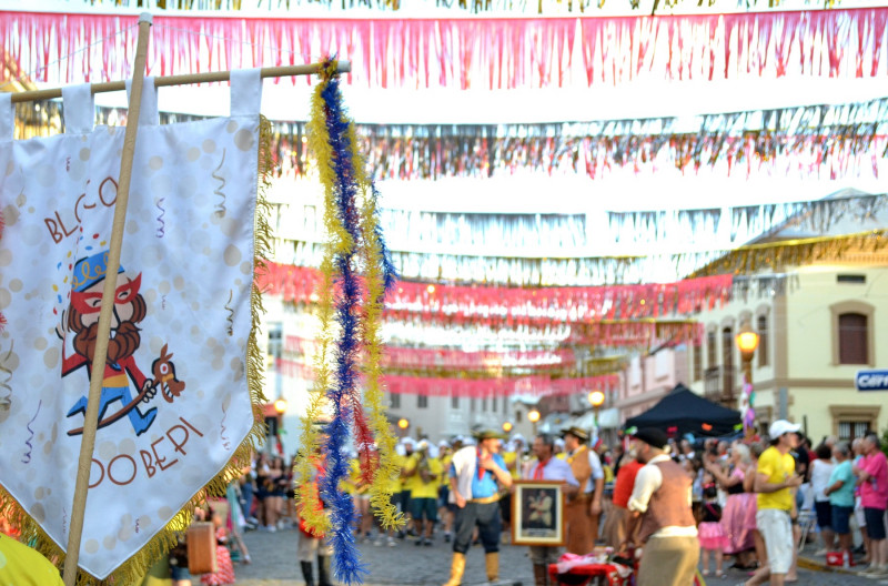 Foto de capa Em fevereiro tem Carnaval Retrô