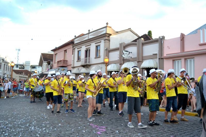 Foto de capa Garibaldi vive o Carnaval Retrô