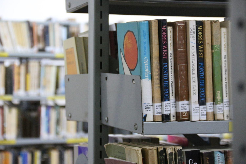 Foto Atendimento da Biblioteca Frei Miguel em horário diferenciado