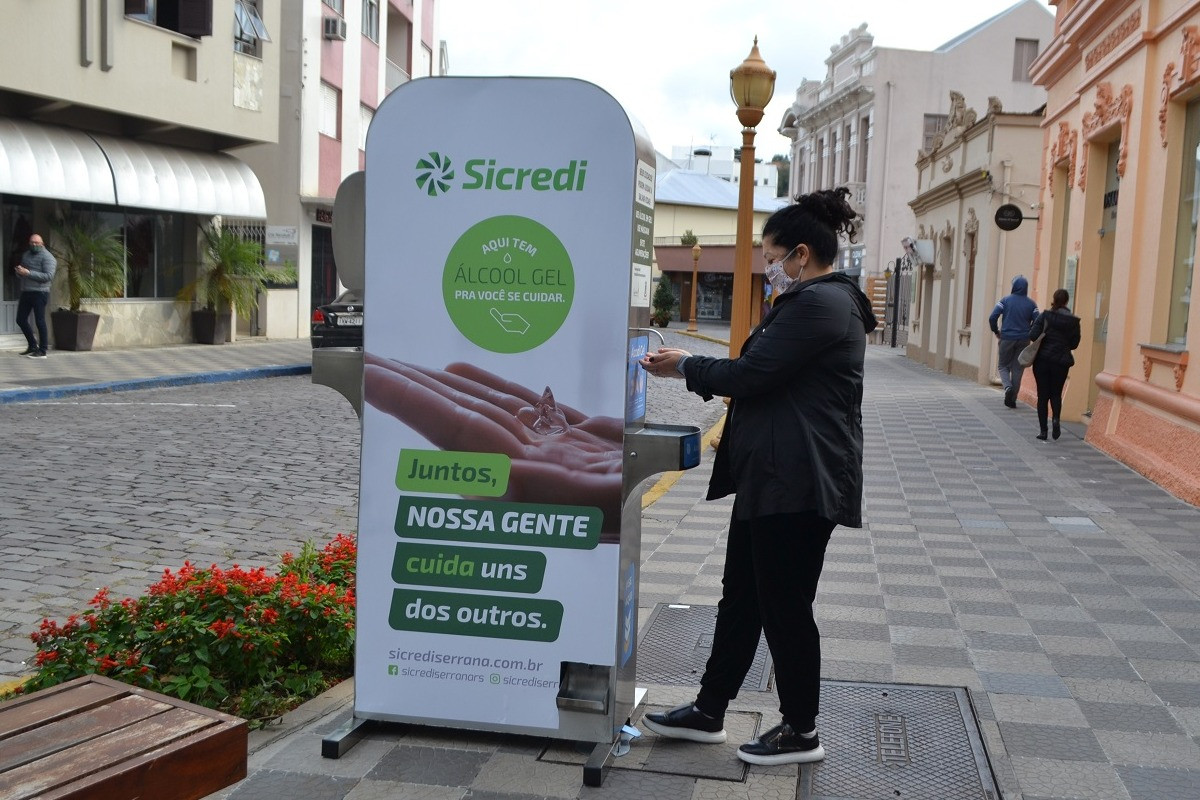 Foto Garibaldi recebe estação de álcool em gel gratuito