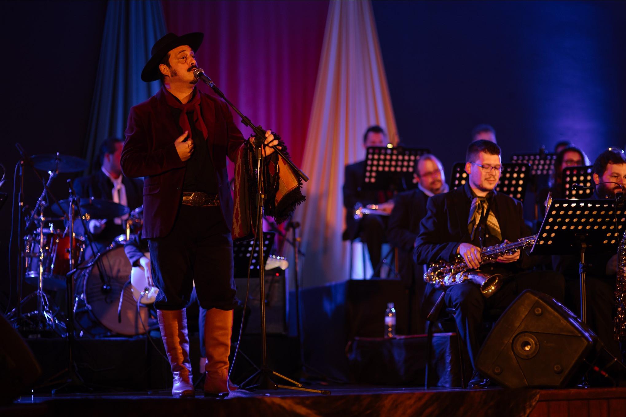 Foto Orquestra Municipal de Garibaldi lança vídeo com a participação especial de Cristiano Quevedo