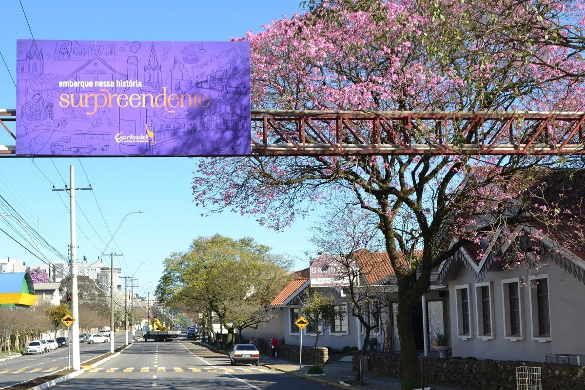 Foto Painéis turísticos da Avenida Independência recebem novo layout