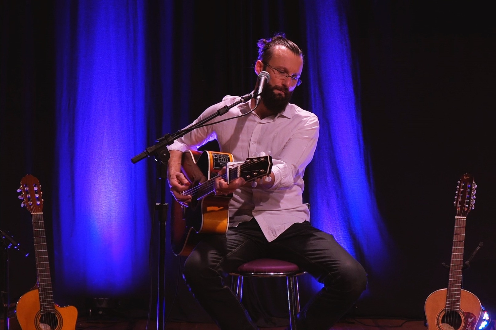 Foto Giovanni Mattiello apresenta videoclipes de canções inéditas